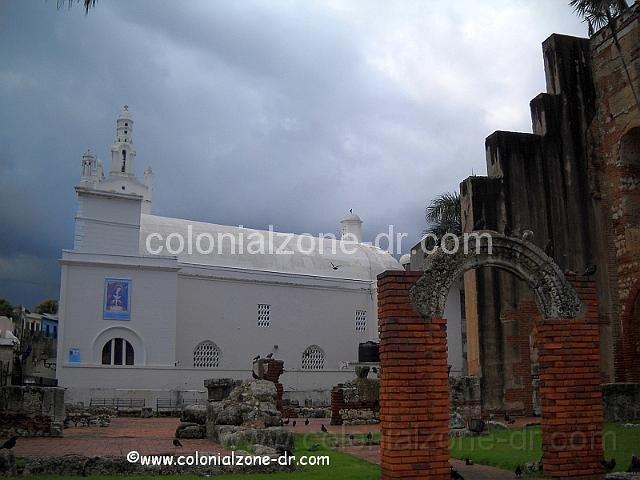 Iglesia Altagracia and Nicolas de Bari Ruins