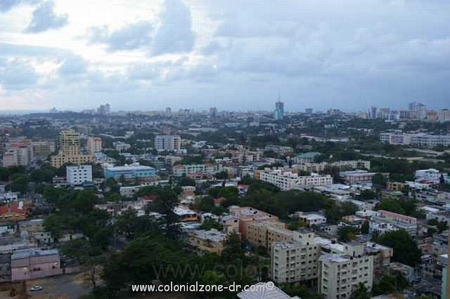 Santo domingo from above aerial view of santo domingo from for Piso 9 malecon center
