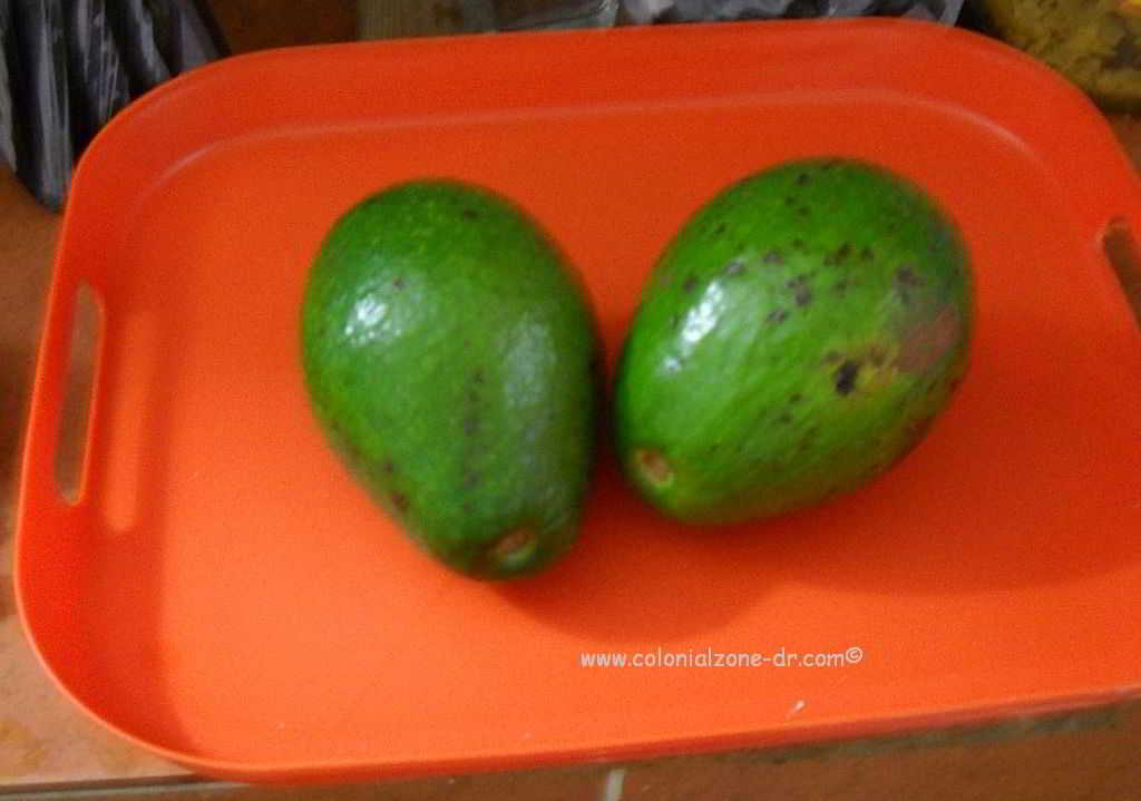 Ripe aguacates ready to be eaten