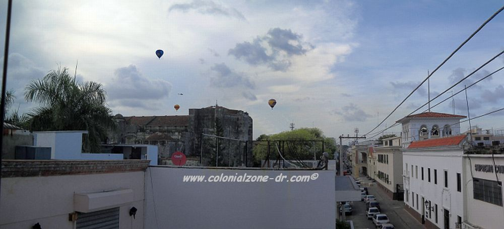 hot air balloons over the colonial zone