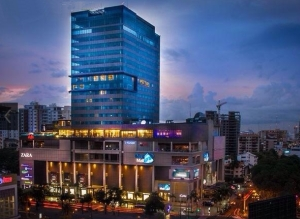 JW Marriott Santo Domingo sits atop the affluent Blue Mall