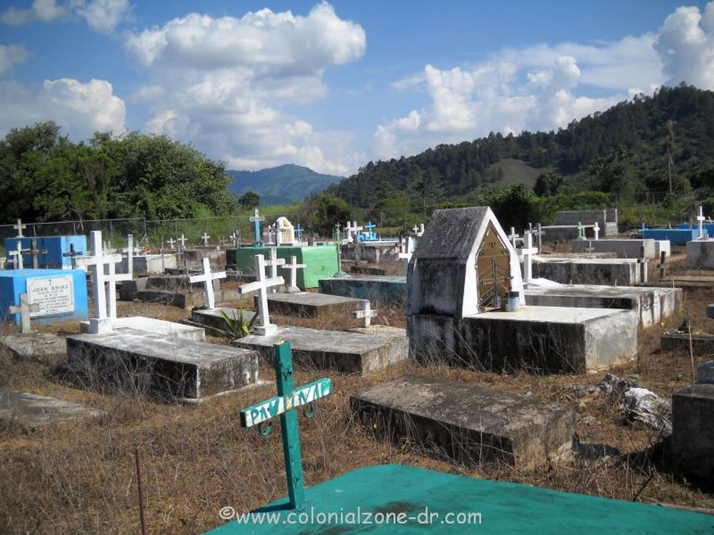A traditional Dominican cemetery in the town of Nizao