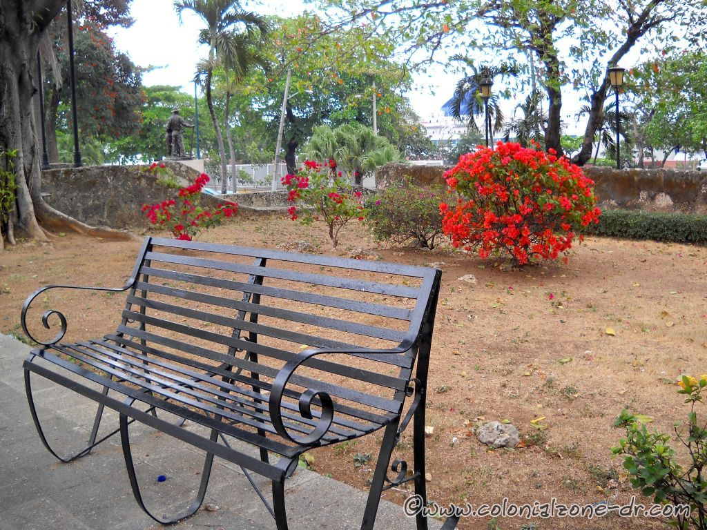 bench at the park and fort san jose, zona colonial