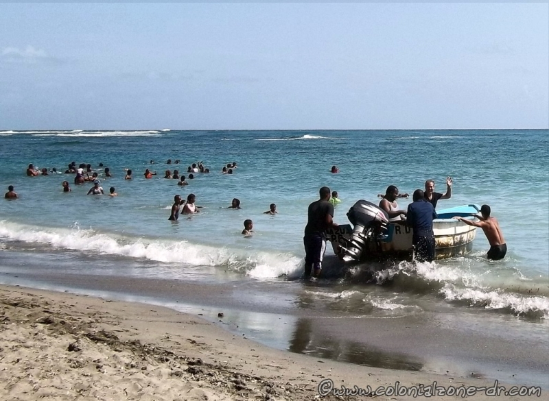 A private boat at Playa Palenque, San Cristobal, where you can pay by the hour for a ride