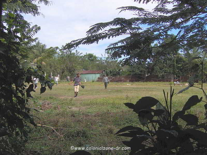 playing baseball in Los Quemados, Bonao