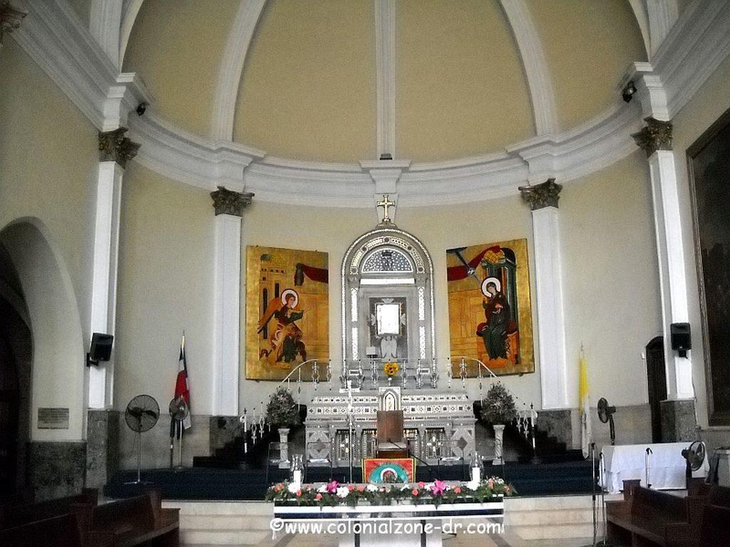 Interior of the Iglesia Nuestra Señora de la Altagracia