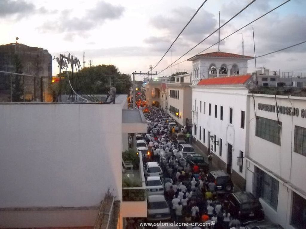 The long Semana Santa procession going down Calle Isabel la Catolica in the Colonial City.