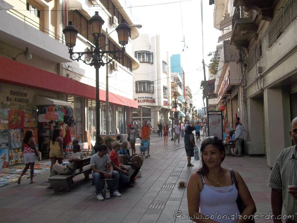 Calle el Conde, the 11 block pedestrian only shopping street in the Colonial Zone