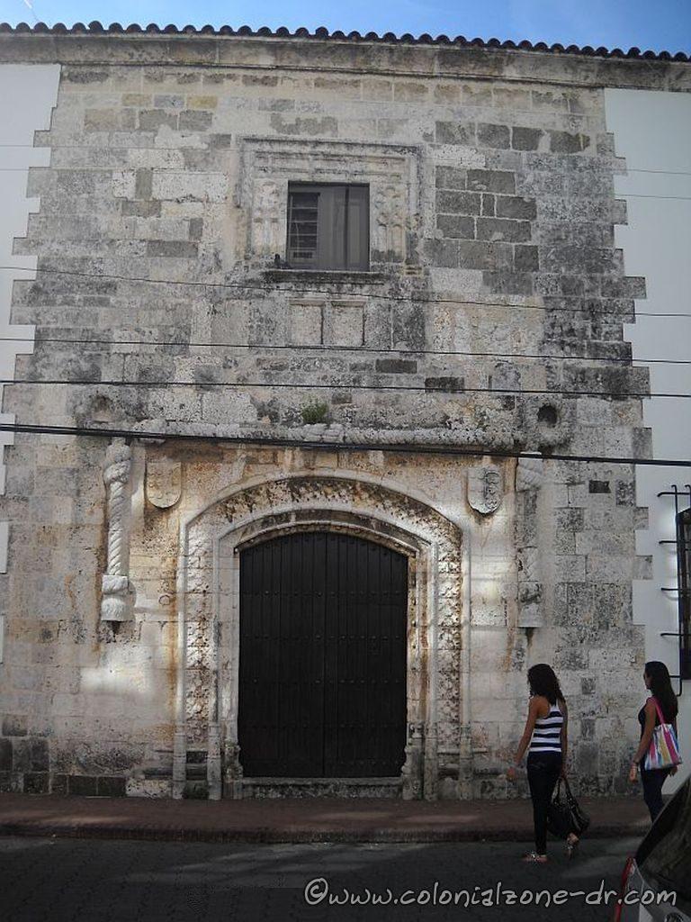 Casa de Cordón front entrance