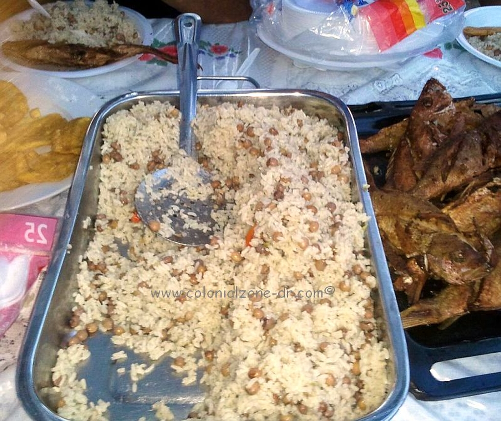 Moro with Grandules with Coco(nut) served with Fried Fish