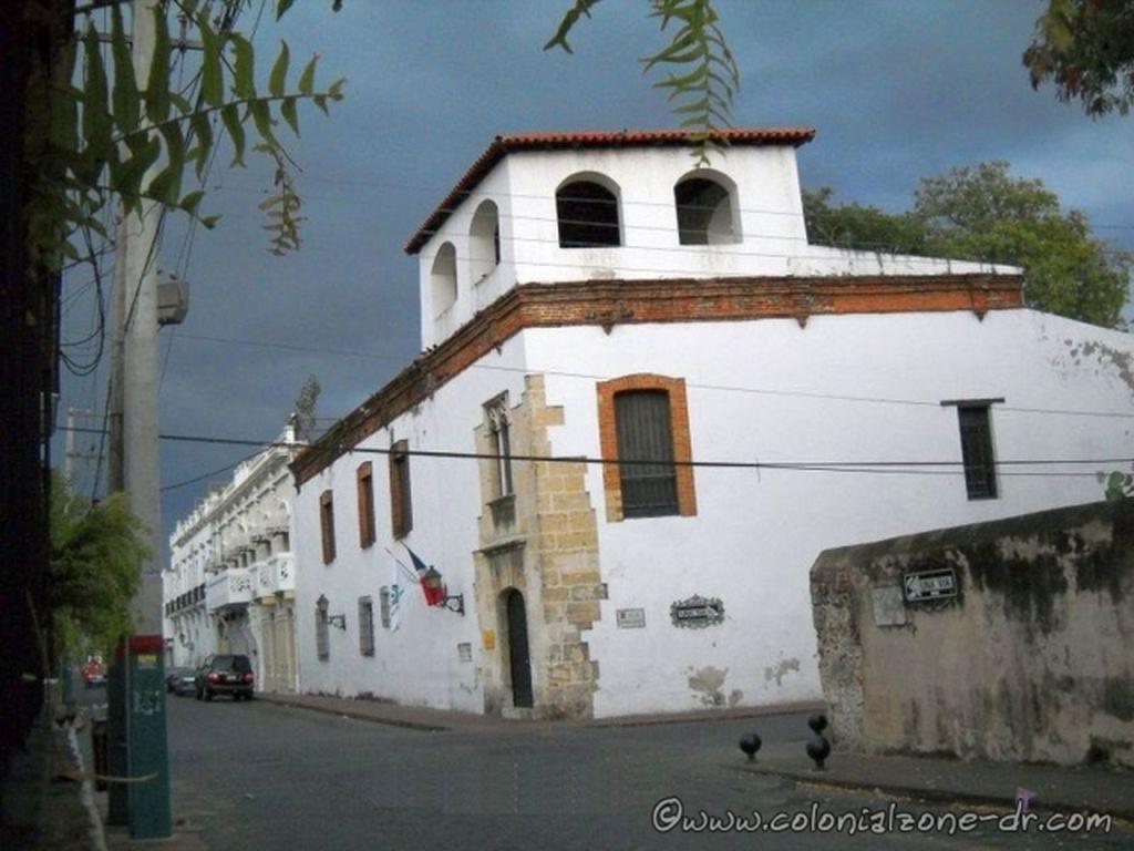Casa del Tostado corner of Calle Padre Billini and Arzobispo Meriño