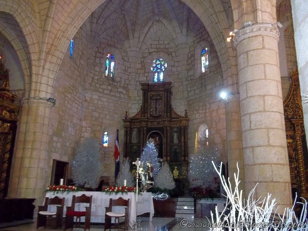 Christmas / Navidad decorations at the Catedral Santo Domingo