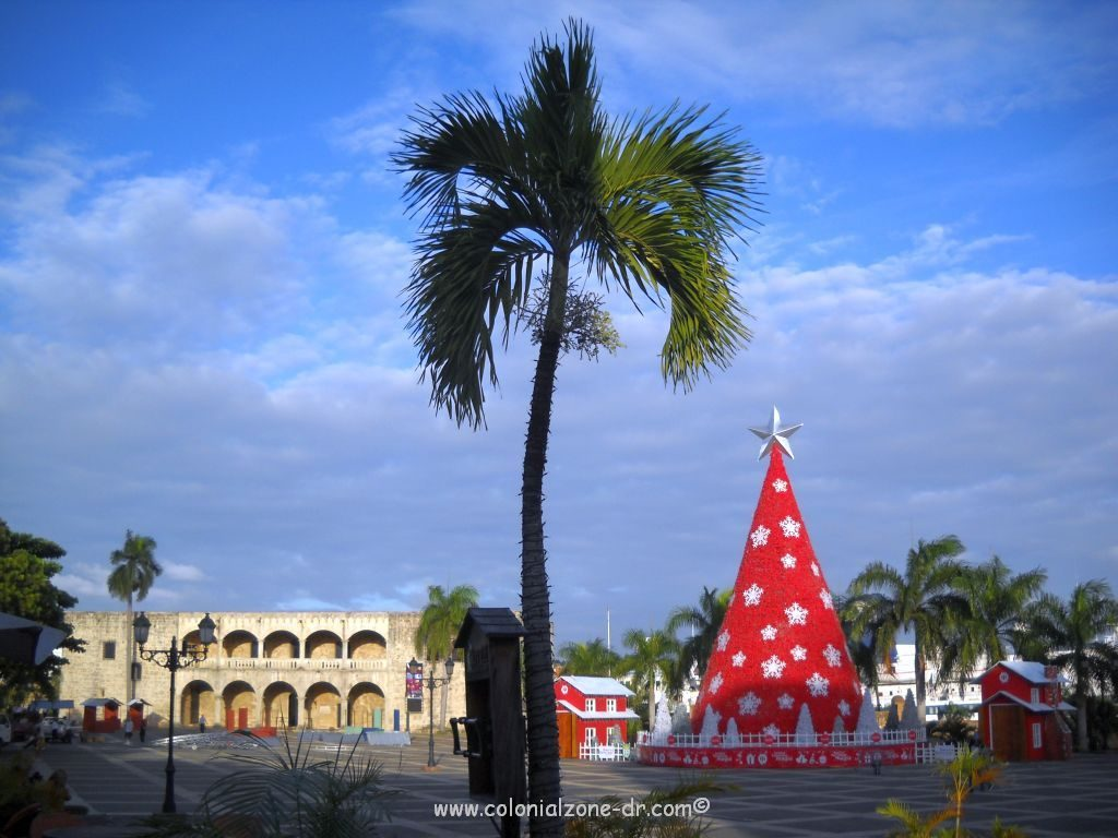 The annual Christmas Tree at Plaza España, Ciudad Colonial