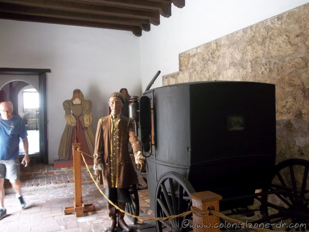 Museo Casa Reales Coach and typical dress