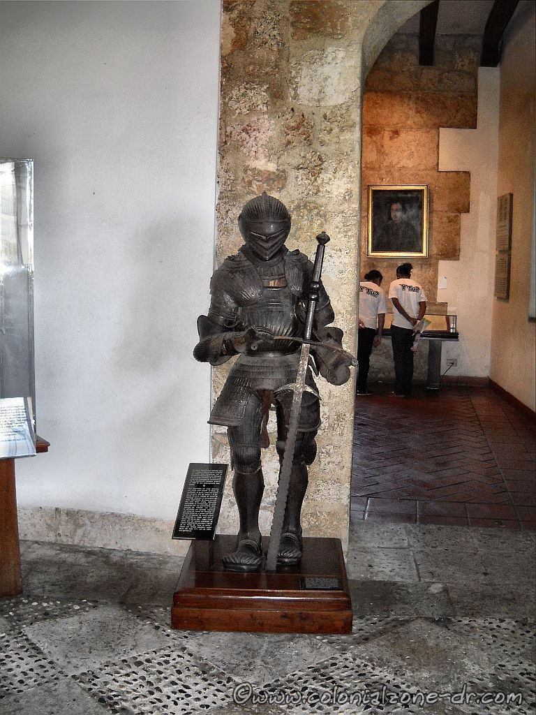 Casa Reales Museo suit of armor at the entrance