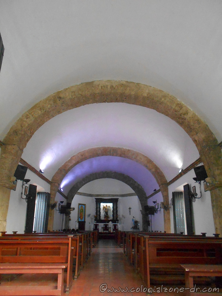 The interior of the Iglesia San Miguel