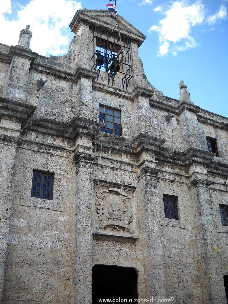 Panteón Nacional, República Dominicana. Front of the building.