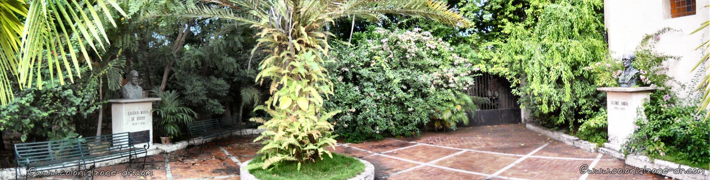 Plaza Capilla de la Tercera Orden Dominica Panorama