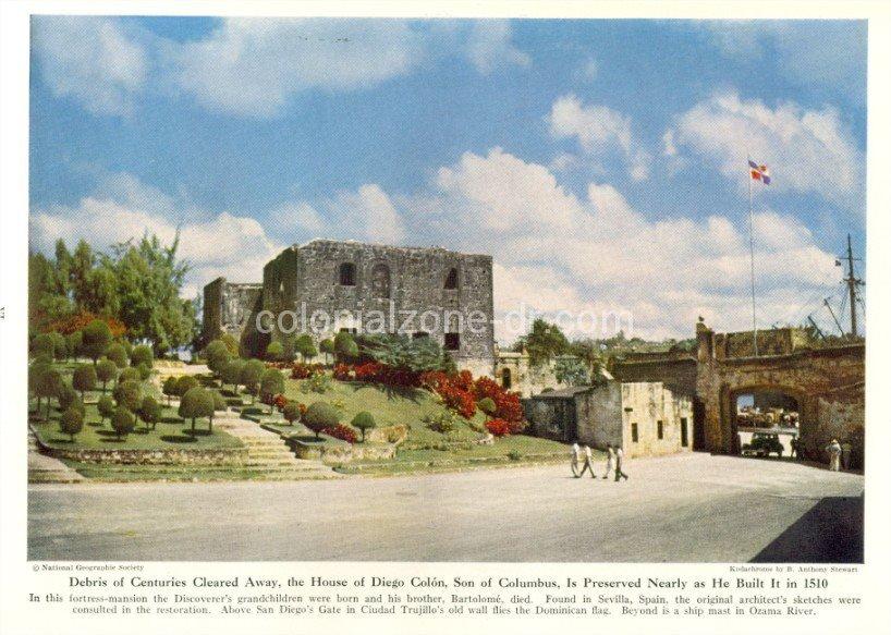 Alcazar de Colon y Puerta de San Diego - 1944