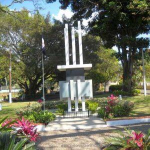 Plazoleta Hermanas Mirabal - Mirabal Sisters butterfly monument