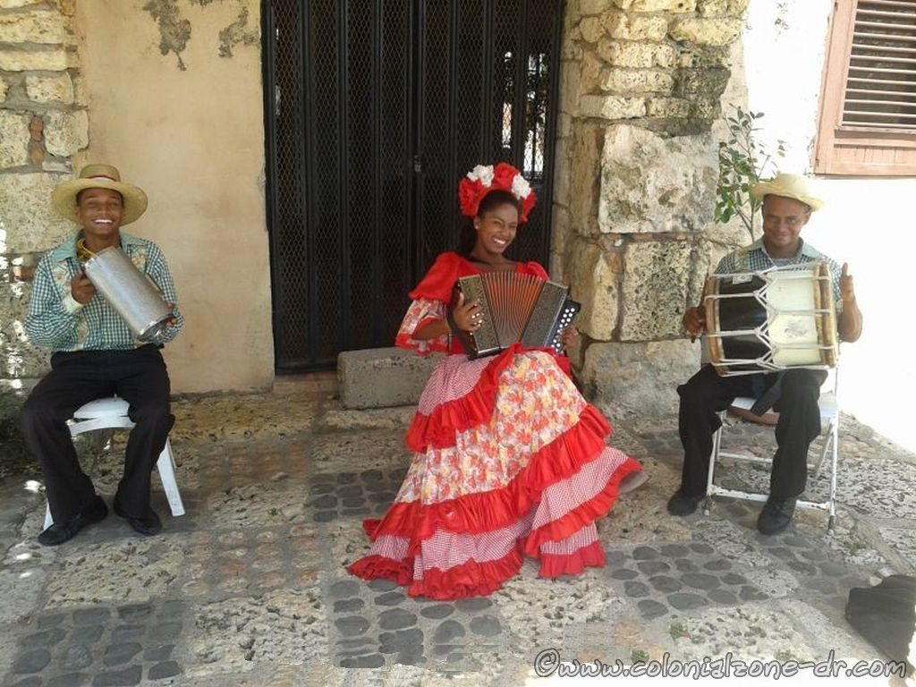 Playing some typical music at Altos de Chavon