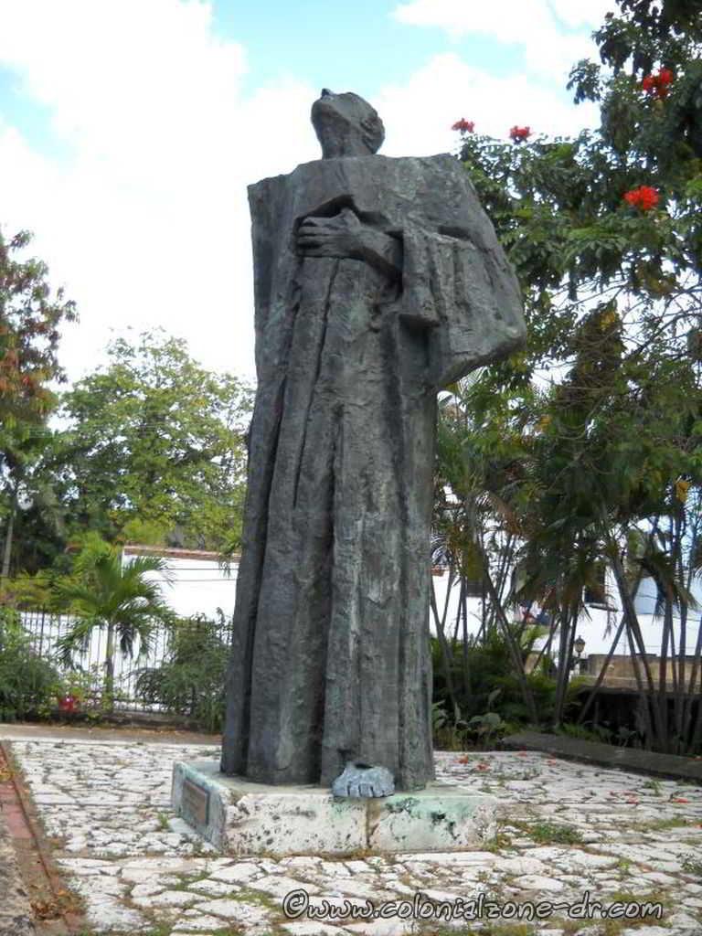 The statue honoring Las Casas located in the Plaza Bartolomé de Las Casas in the Ciudad Colonial
