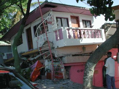 September 2003 Earthquake in Puerta Plata Dominican Republic house