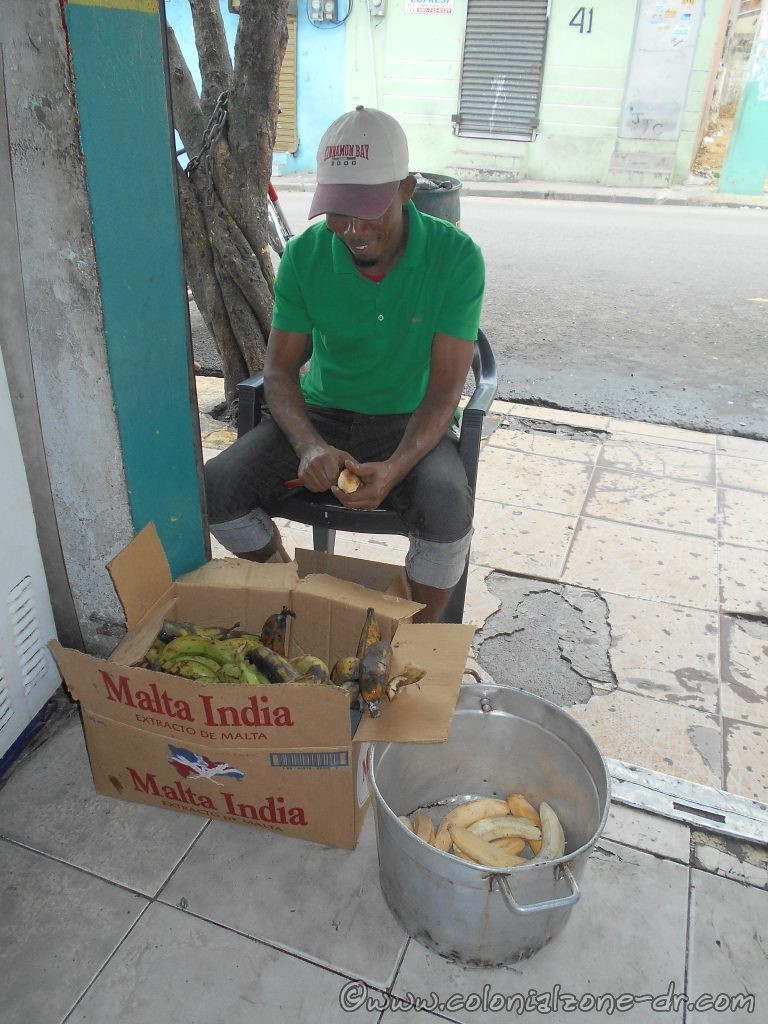 Preparing platano for cooking