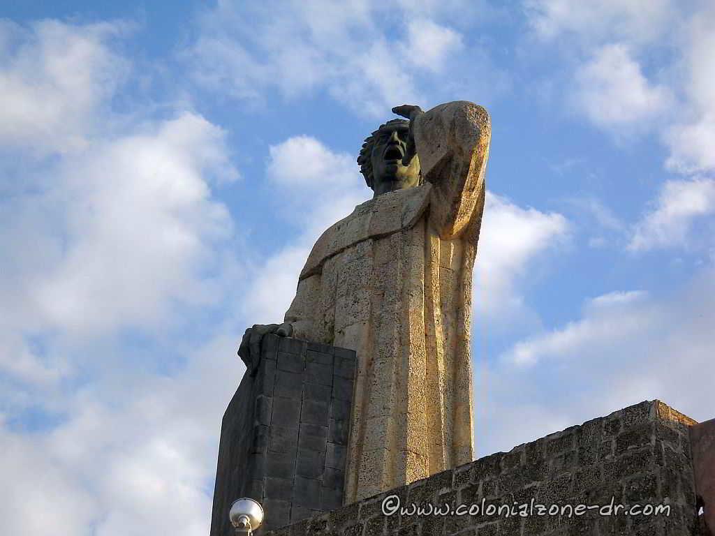 Fray Antón de Montesino Monument