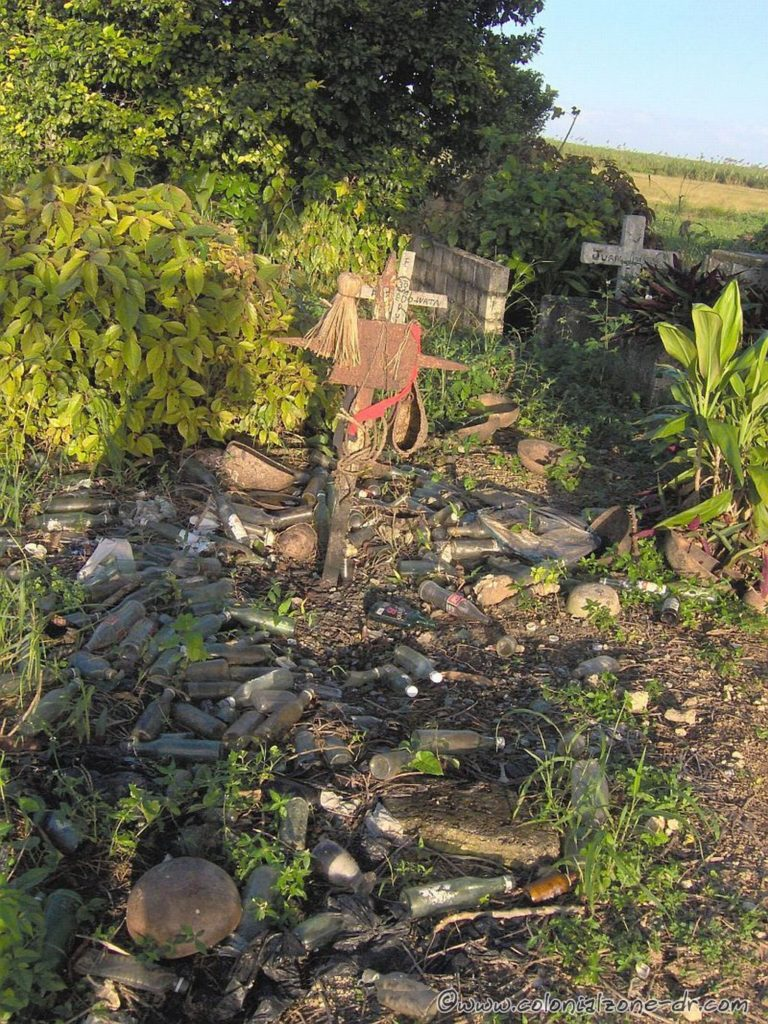 A very frightening grave in El Batey. Something to stay away from.