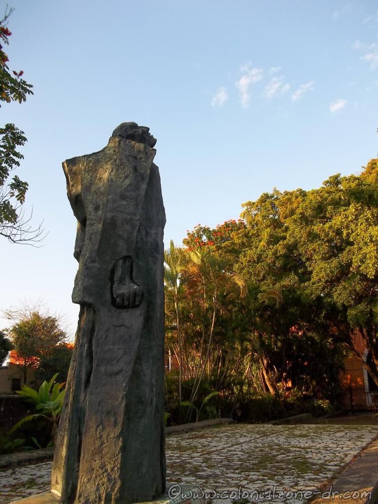The statue of Bartolomé de las Casas located in the Plaza in the Colonial Zone.