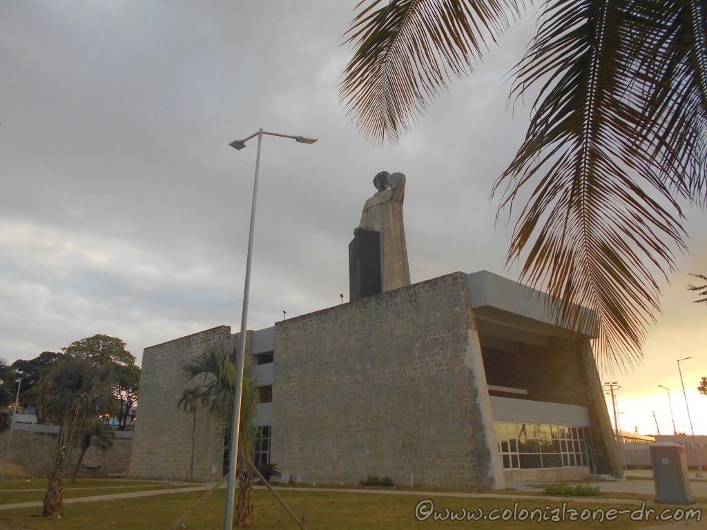 The new Plaza Fray Antonio de Montesino