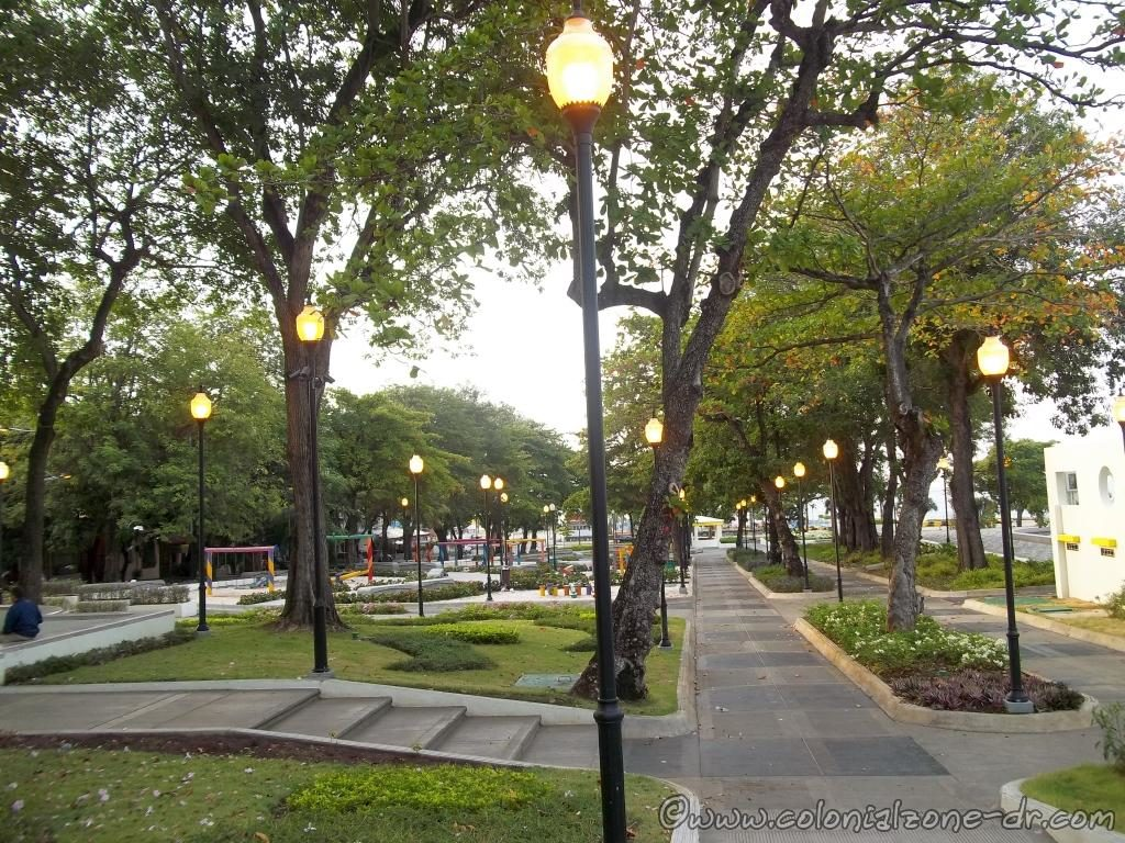 Parque Eugenio María de Hostos, located on the Malecon sea side road in Santo Domingo