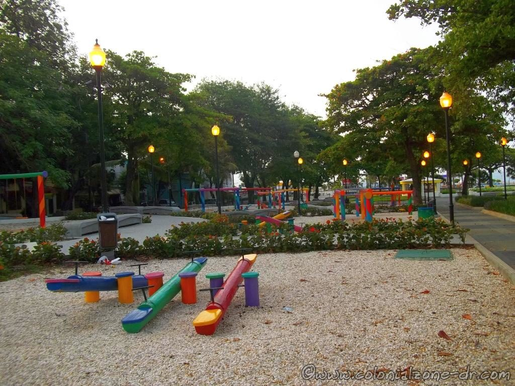 The playground -  Parque Eugenio María de Hostos