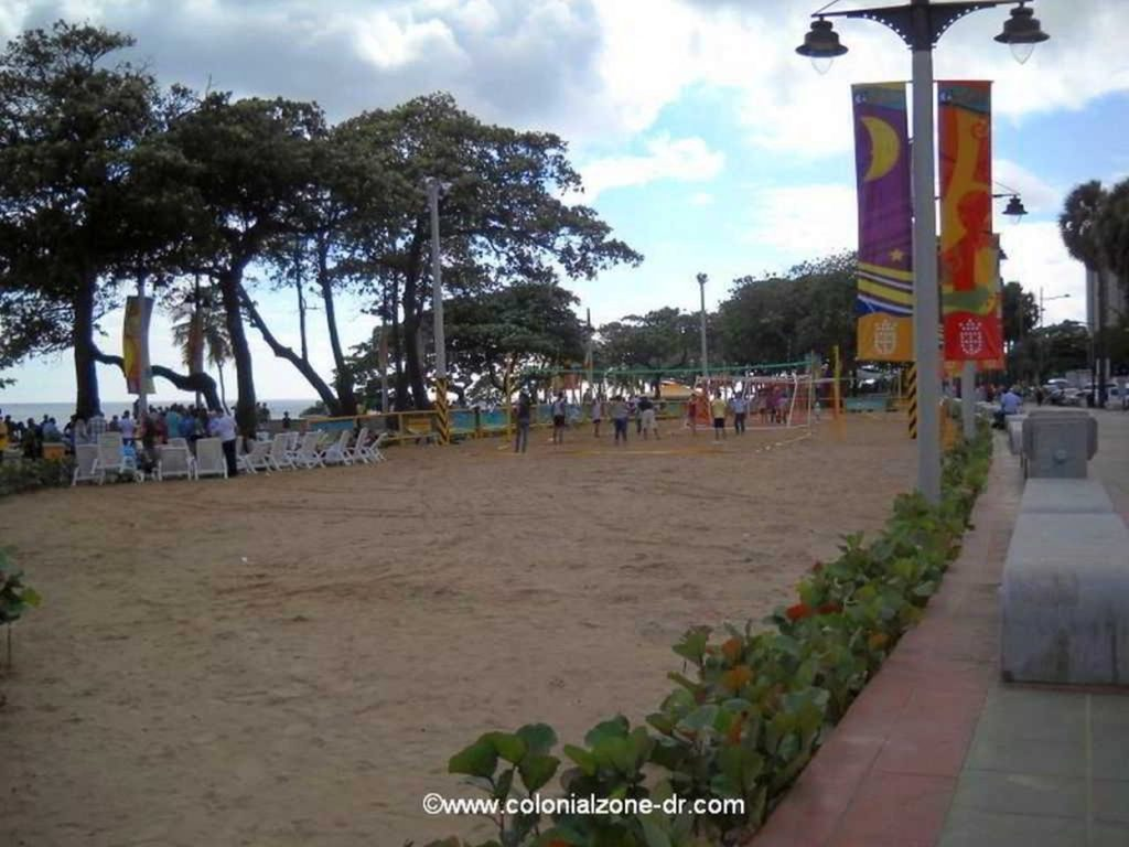 Playa Guibia exercise and volleyball area.