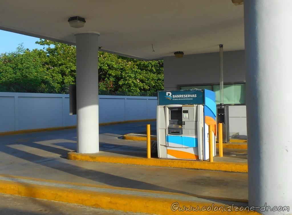 Cajero Bank Machine at BanReservas