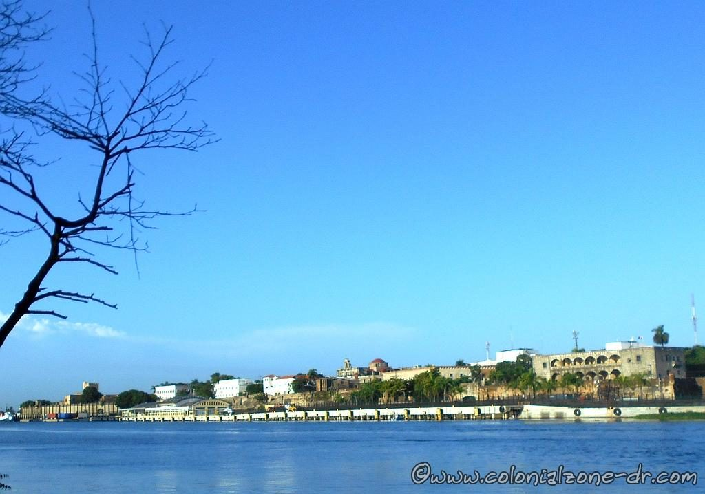Two important forts of Colonial Santo Domingo were Fuerte Invincible and Fuerte San Diego. Seen from across Rio Ozama