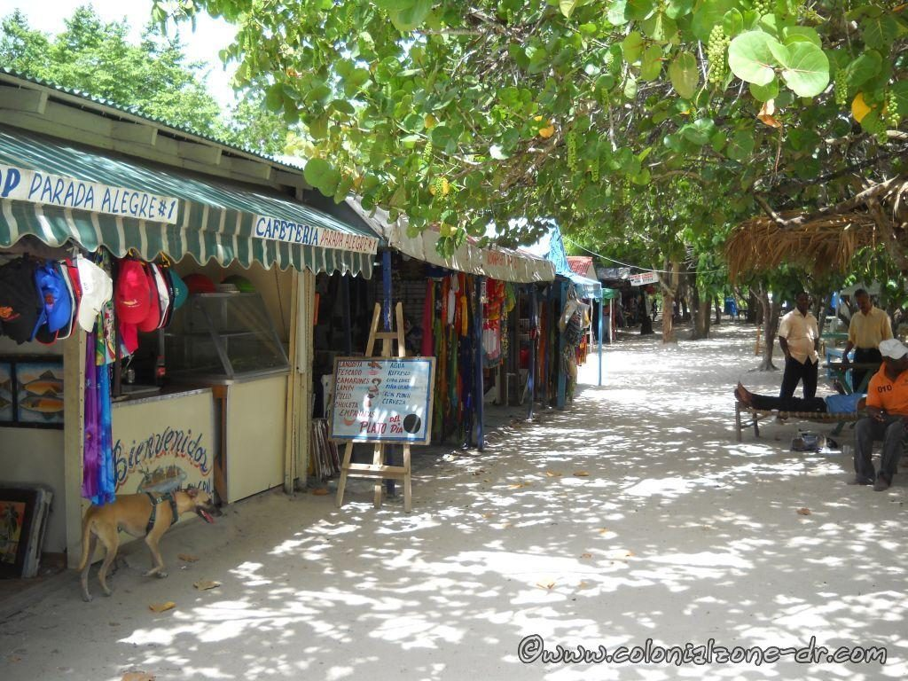 Vendors at the public beach in Bayahibe