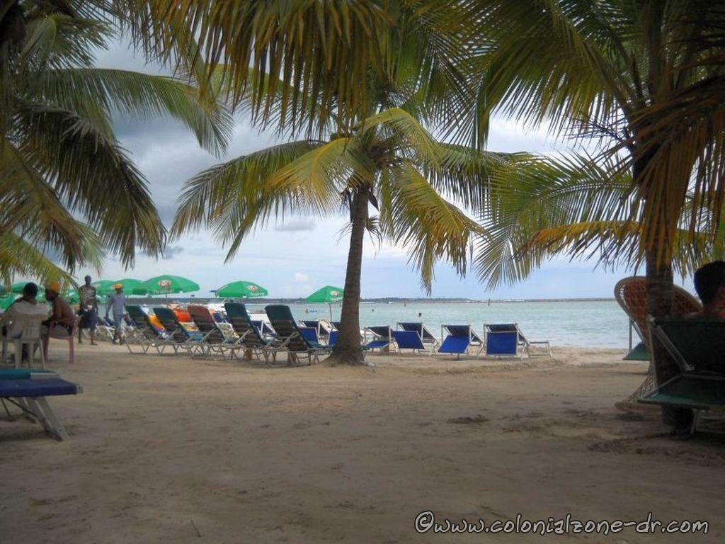 Beach chairs for rent at Playa Boca Chica