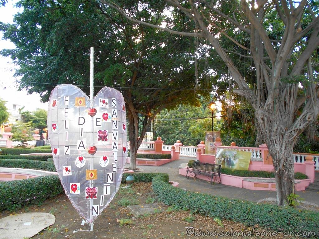 Valentines Day decoration in Parque Rosado