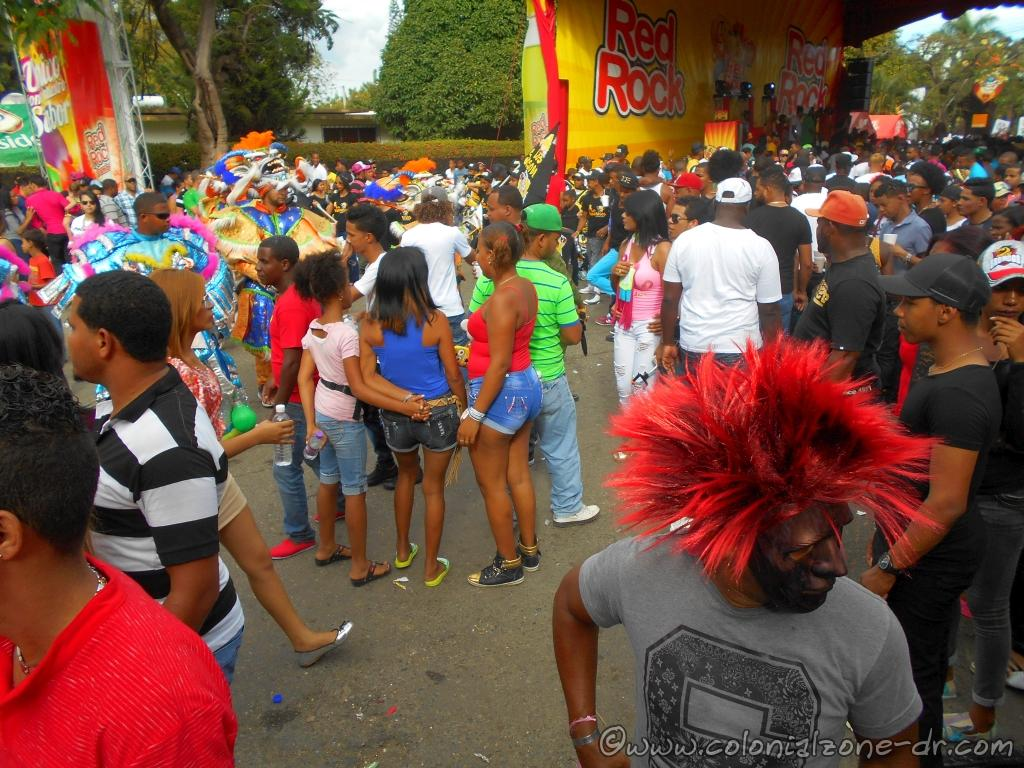 Crowds of people at Carnival in La Vega.