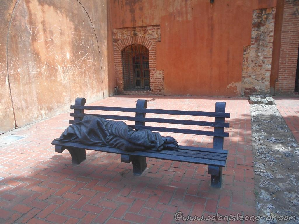 "The sculpture ""Homeless Jesus"" / La escultura ""Jesús Desamparado"" by Canadian Artist Timothy P. Schmalz at the Plaza Convento e Iglesia de los Padres Dominicos, Dominican Republic"