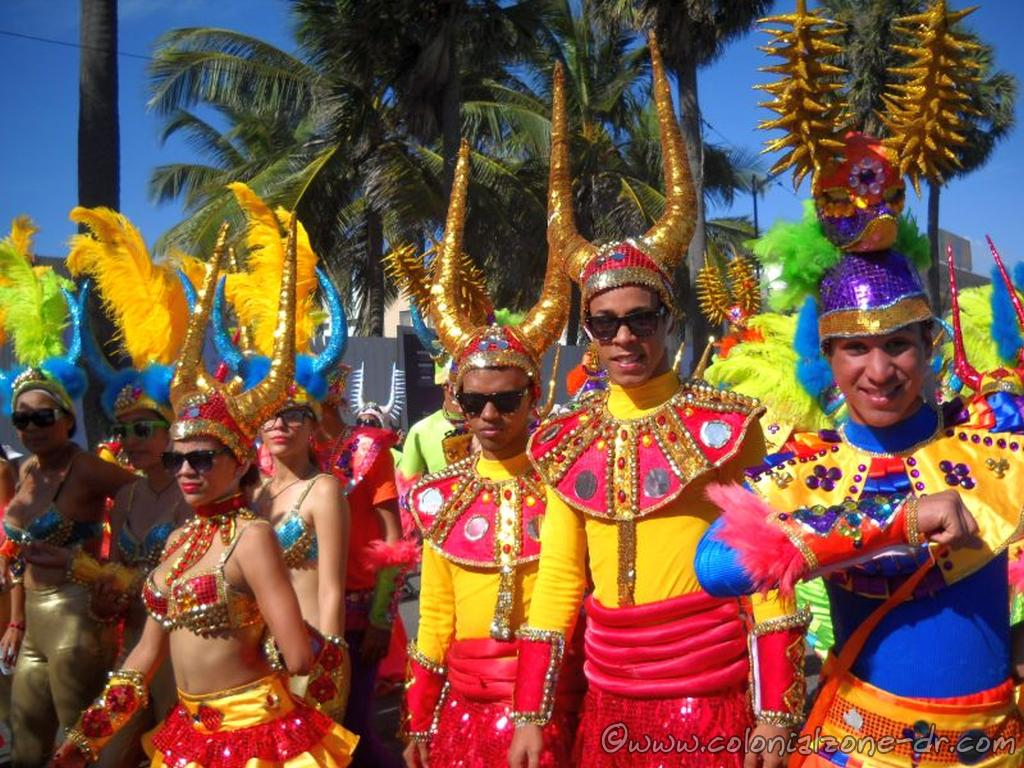 Los Ali Baba in their bright costumes.