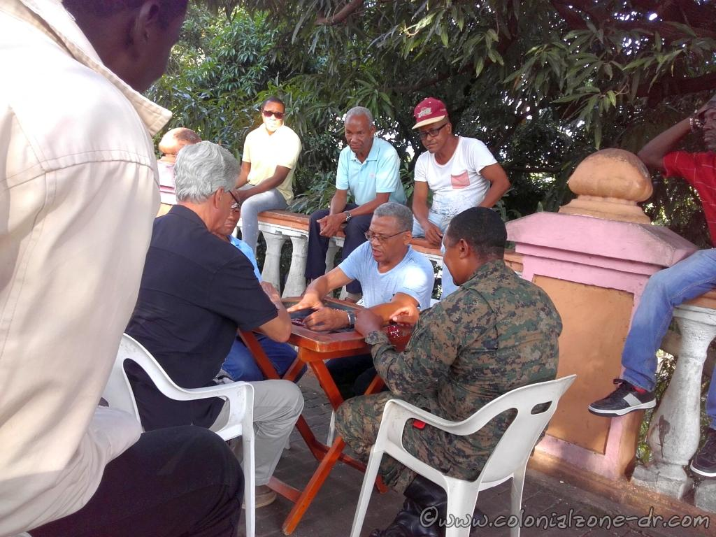 Playing Dominoes with the neighbors in Parque Rosado in the Colonial Zone.