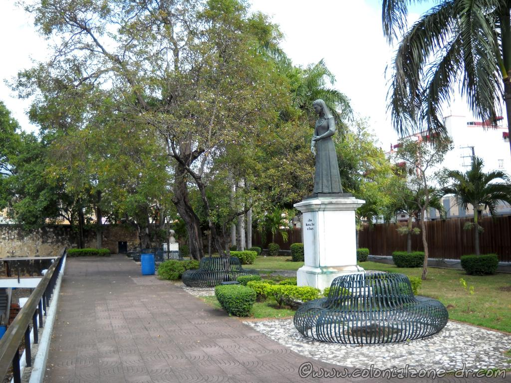 The statue of Dona Manuela Díez de Duarte, the mother of founding father Juan Pablo Duarte