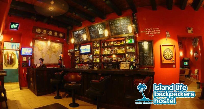 Island Life Backpackers' Hostel Bar