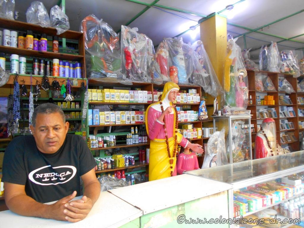 One of the many Santeria Shops located at Mercado Modelo