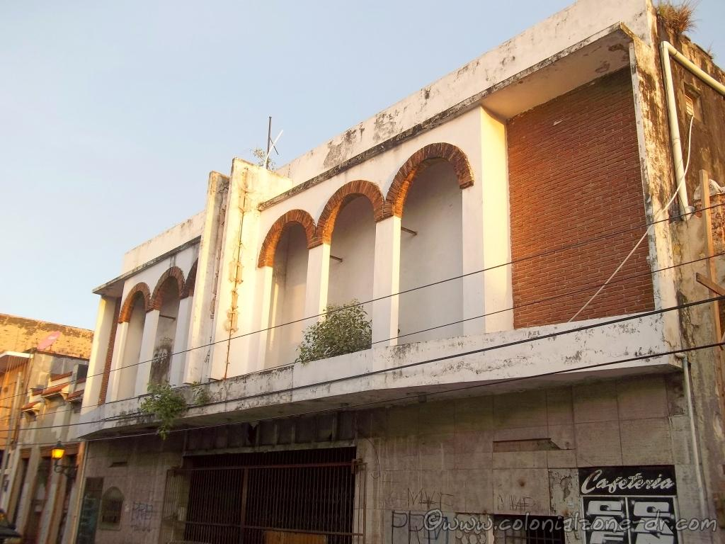 A view of the second floor arcade of the Cine Leonor, later La Colonial
