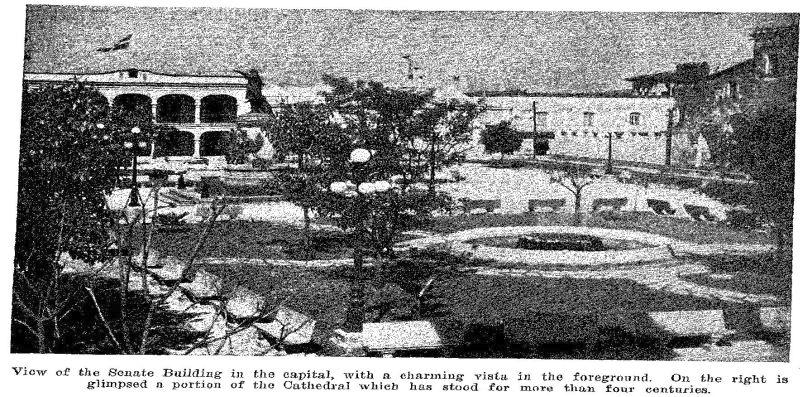 Parque Colón with the statue of Cristobal Colón and you can also see a fountain in Ciudad Trujillo 1936 - Image taken from the book Trujillo and His Work.